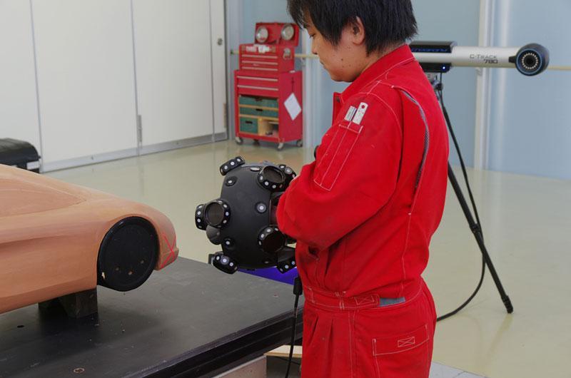 无臂手持式三维光学扫描仪:MeatraSCAN